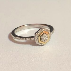 NWOT Genuine diamond 10kYG & 925 ring